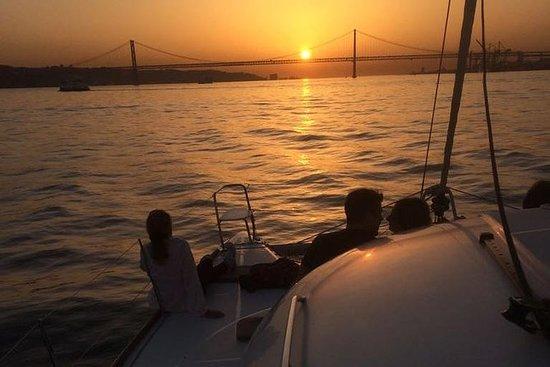 Catamaran Sunset Voile