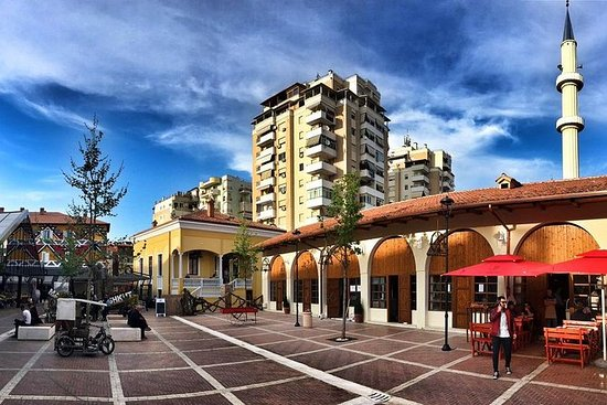 By og mattur på Tirana på en dag
