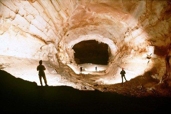 Kleingruppentour: Dark Cave und...