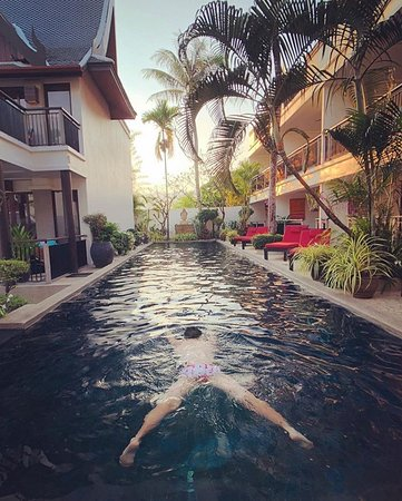 Relax and unwind as you surround yourself with nature at #Baan Yin Dee Boutique Resort. 🌿🌳🌴🌊 Thanks @chikei_wong for sharing. #baanyindee #greenhotel #boutiqueresort #phikethotels #patongbeach #thailandtravel www.baanyindee.com. 🌊☀️🌴🌳