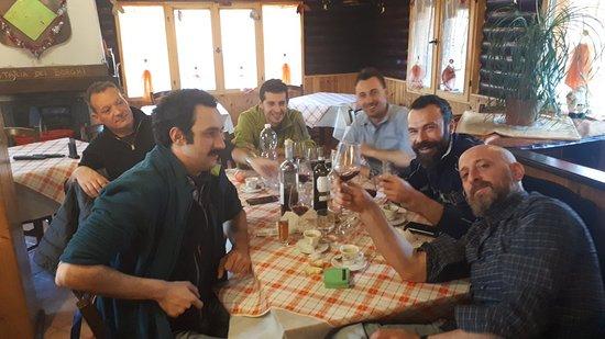 Bagnolo Piemonte, Italie : Ottimo x comitive allegre