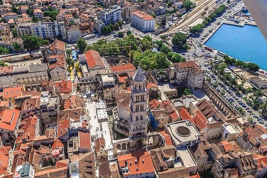 Panoramic flight - The Diocletian...