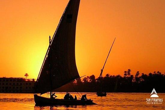 Promenade en felouque sur le Nil à...