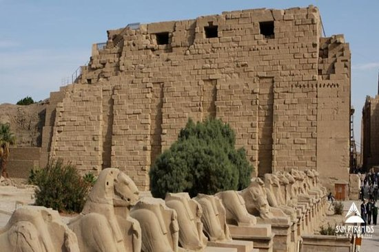 Besichtigung der Ostbank in Luxor