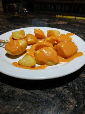 Tapa de patatas bravas