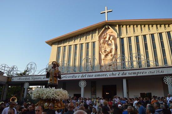Chiesa di sant'Antonio di Padova a Campobasso nella festa del santo Patrono