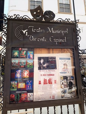 Teatro Municipal Vicente Espinel