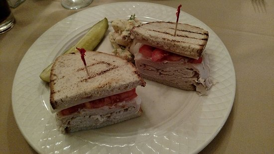 Turkey sandwich on rye toast