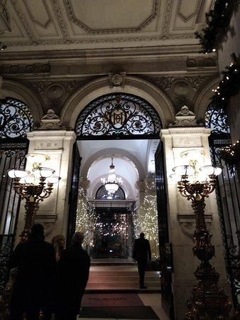 La Terrasse D Hiver Du Westin Paris Louvre Palais Royal