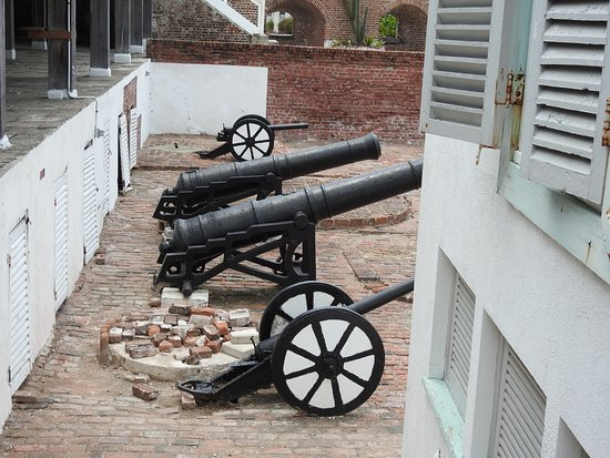 Kingston, Jamaika: Lear about Jamaican history and include Port Royal once known for as the wickedest and most sinful city in the world.