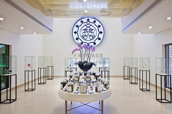 Amouage Perfume Factory Fanja Village y...