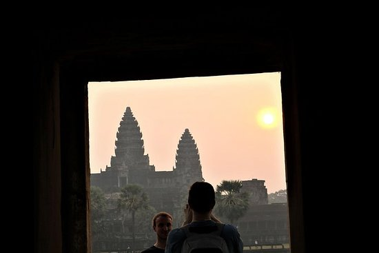 Sunrise Small-Group Tour of Angkor...