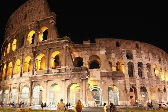 罗马论坛和斗兽场之夜导游徒步之旅