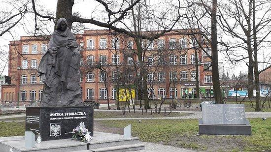 Pomnik Matka Sybiraczka Bohaterka Golgoty Syberyjskiej