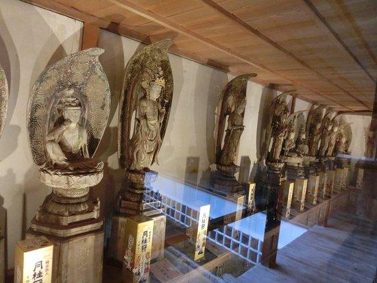Dainichi-ji Temple, Saikoku 33 Kannon Statues