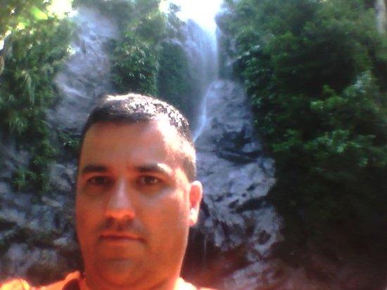 Litoral Norte Paulista: Uma das cachoeiras em São Sebastião - SP
