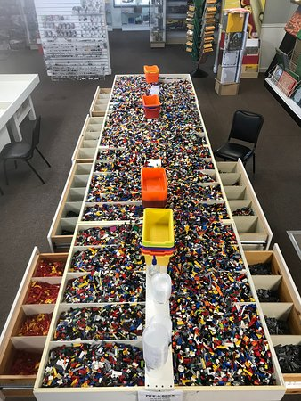Atlanta Brick Co: Over 2,000 lbs of pick-a-brick, the drawers are even sorted by color.