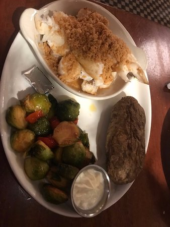 Melrose, MA: Broiled Seafood Medley