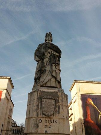Estatua de D. Dinis