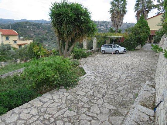 Kaloniktis, Grecia: Zufahrtsbreich