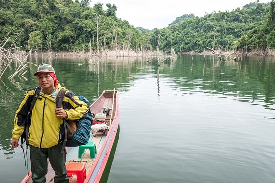 Phongsaly, Laos: Exiting our little boat at the start.