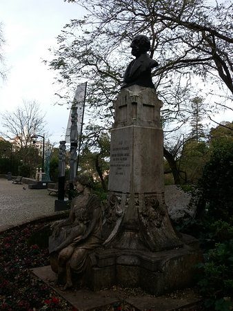 Busto do Doutor Gregorio Rafael da Silva D' Almeida