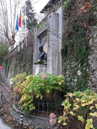 Busto de Carlos Franca