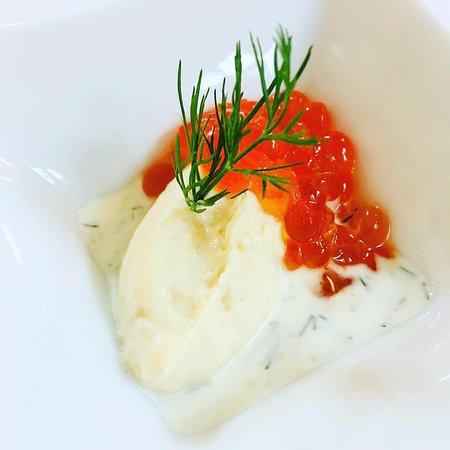 Restaurant Ratskeller Spangenberg: Mousse von geräucherter Forelle Lachs-Caviar & Dill-Schmand