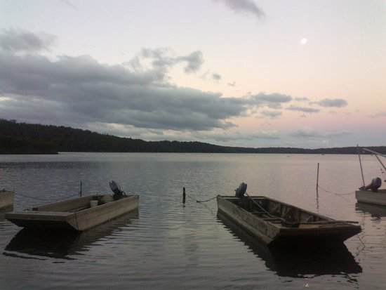 Broadwater, Austrália: Evening over Pambula Lake