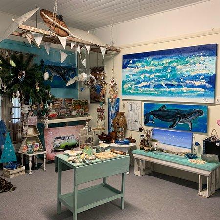 Hallidays Point, Αυστραλία: Whitewashed Gallery