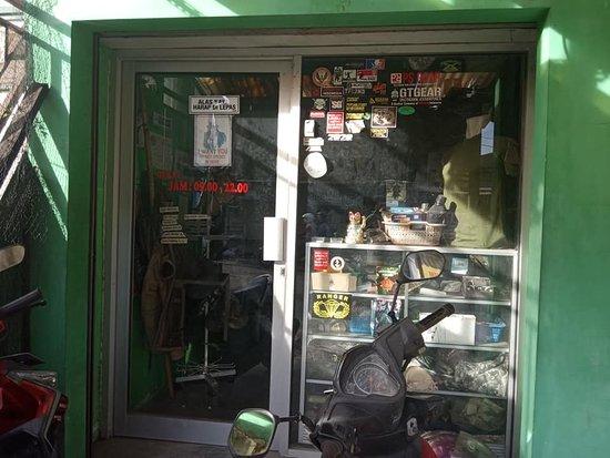 Sleman, Indonesia: bagian hadap luar military corner