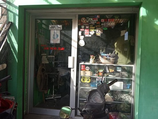 Sleman, إندونيسيا: bagian hadap luar military corner