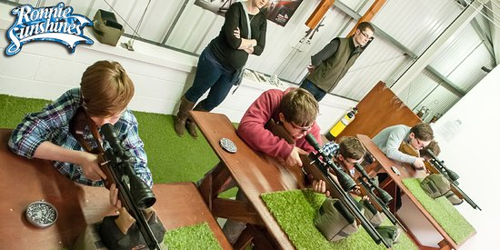 Berkhamsted, UK: 5 Air Rifle Lanes to choose from