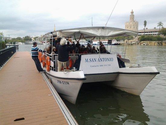 Catamaran M. San Antonio