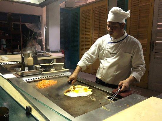 Сентара-Гранд-Айленд:  Teppanyaki table