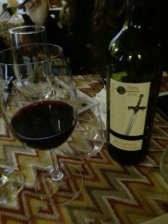 Siano, Italie: Ottimo Vino  Aglianico