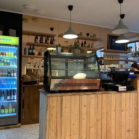 Zilina, Eslovaquia: view on bar