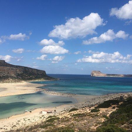 Die traumhafte Bucht von Balós befindet sich im Westen Kretas und ist mit Auto oder per Bootsausflug erreichbar.