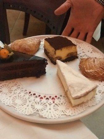 Howard Beach, NY: Additional desserts.