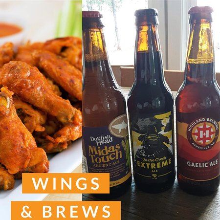 Skippers On Lake Greenwood: Wings and Beer. What could be better?