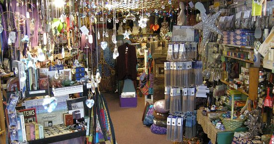 Harrisburg, Pensilvania: A cozy little store packed with GOOD ENERGY...and healing, magical, sacred, natural, relaxing, enlightening, nourishing, from-the-earth, fun, life-loving wonderments.