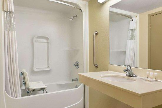 Thompson, Canada: Guest room bath