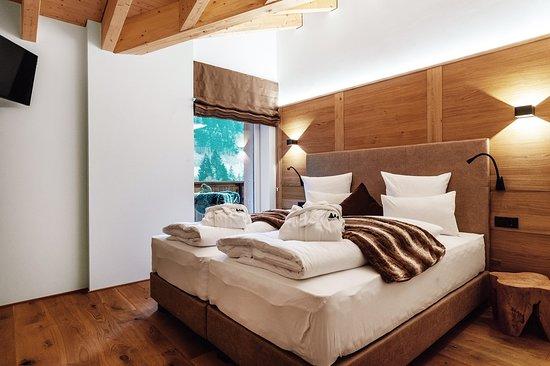 Wald am Arlberg, Austria: 3 Schlafräume mit hochwertigen Boxspringbetten für insgesamt 8 Personen
