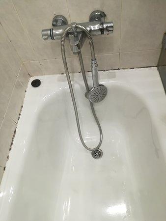 foto real de la bañera