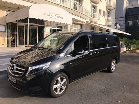 Roissy-en-France, France : Private Taxi