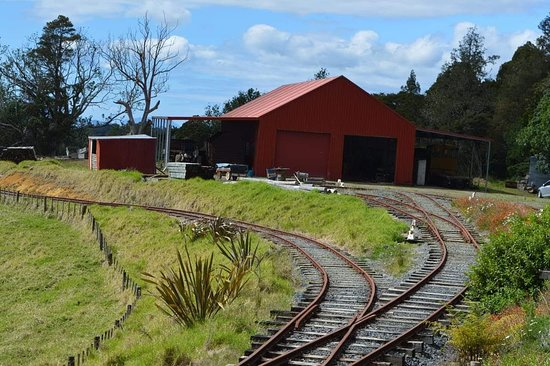 Whangarei, Νέα Ζηλανδία: Along the tracks of the bigger train ride.