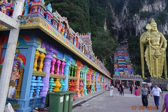 4 in 1 Day Tour Batu Caves Elephant...