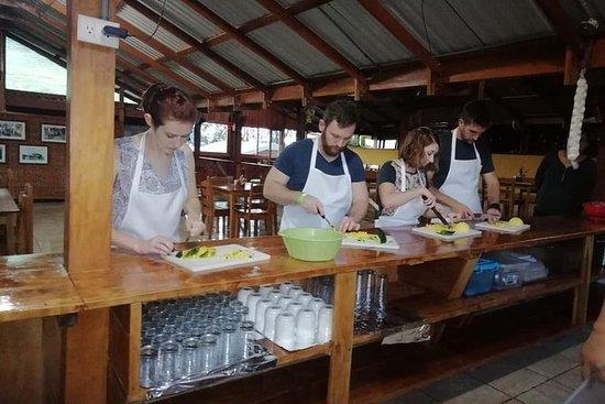 ラフォーチュナでトルティーヤ作りを含む料理教室