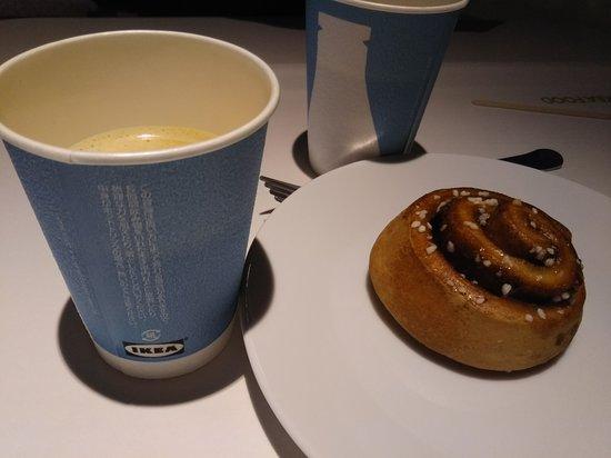 IKEA: ドリンクバーとシナモンロール