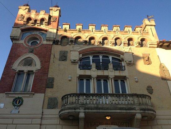 Piazza Giuseppe Giusti : הארמון הבארוקי